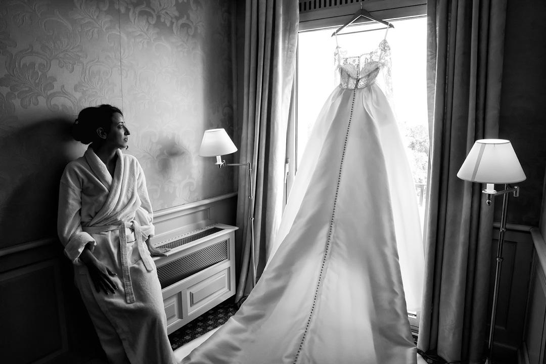préparatifs mariage la mariée et sa robe